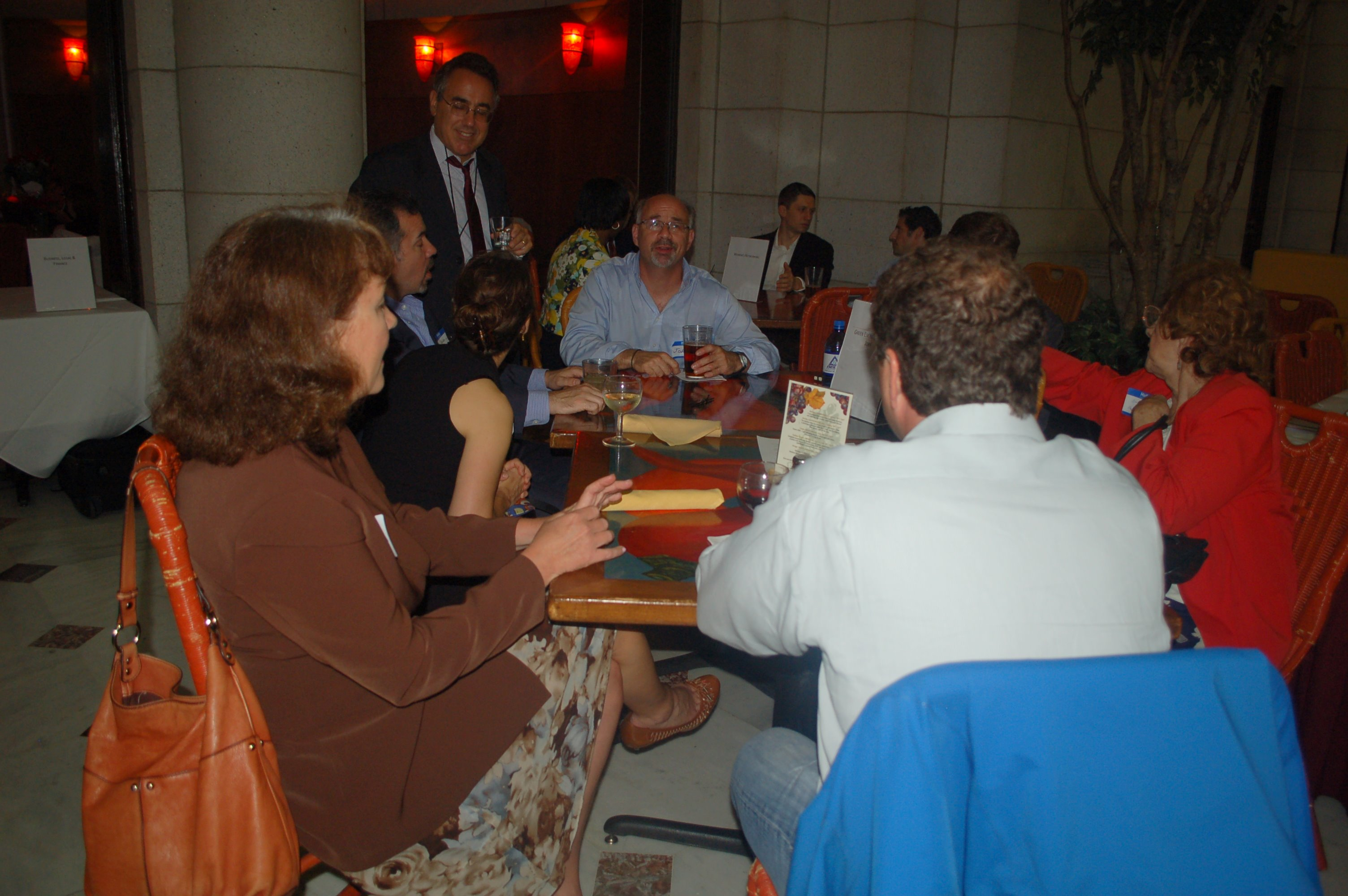05-2010-networking-tables-in-dc.jpg